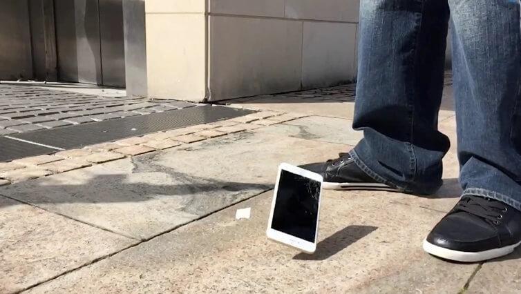 Bể màn hình điện thoại có xui không