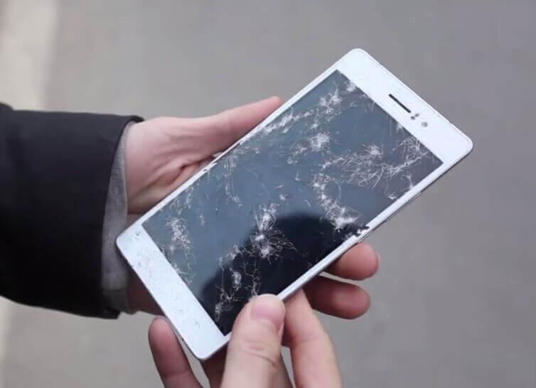 Thay mặt kính điện thoại giá rẻ tại Hà Nội